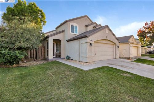 Photo of 1385 Quail Valley Run, OAKLEY, CA 94561 (MLS # 40889462)
