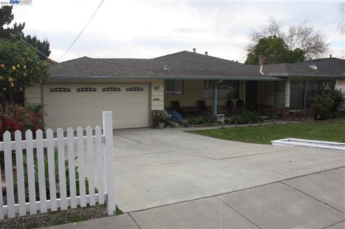 Photo of 38627 Canyon Heights Drive, FREMONT, CA 94537-1819 (MLS # 40935462)