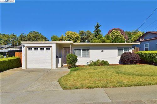 Photo of 19179 Garrison Ave, CASTRO VALLEY, CA 94546 (MLS # 40911463)