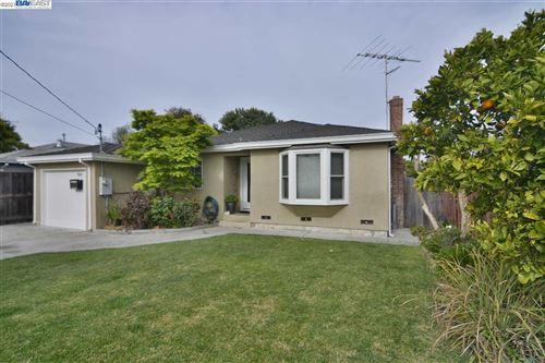 Photo of 789 Douglas Ave, REDWOOD CITY, CA 94063 (MLS # 40942463)