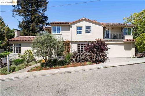 Photo of 527 Blair Ave, PIEDMONT, CA 94611 (MLS # 40945465)