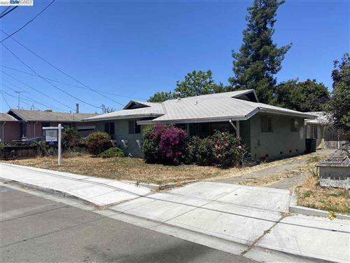 Photo of 25722 Donald Ave, HAYWARD, CA 94544 (MLS # 40954465)
