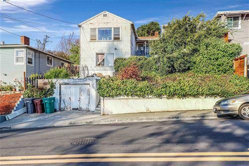 Photo of 17312 Ehle St, CASTRO VALLEY, CA 94546 (MLS # 40964465)