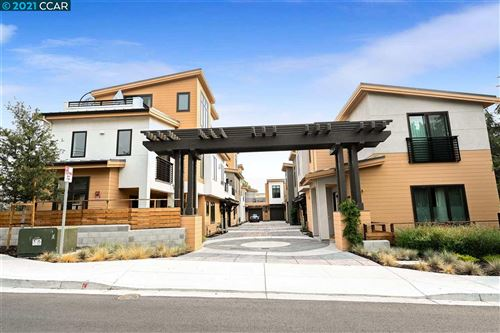 Photo of 964 Mountain View Drive, LAFAYETTE, CA 94549 (MLS # 40922467)