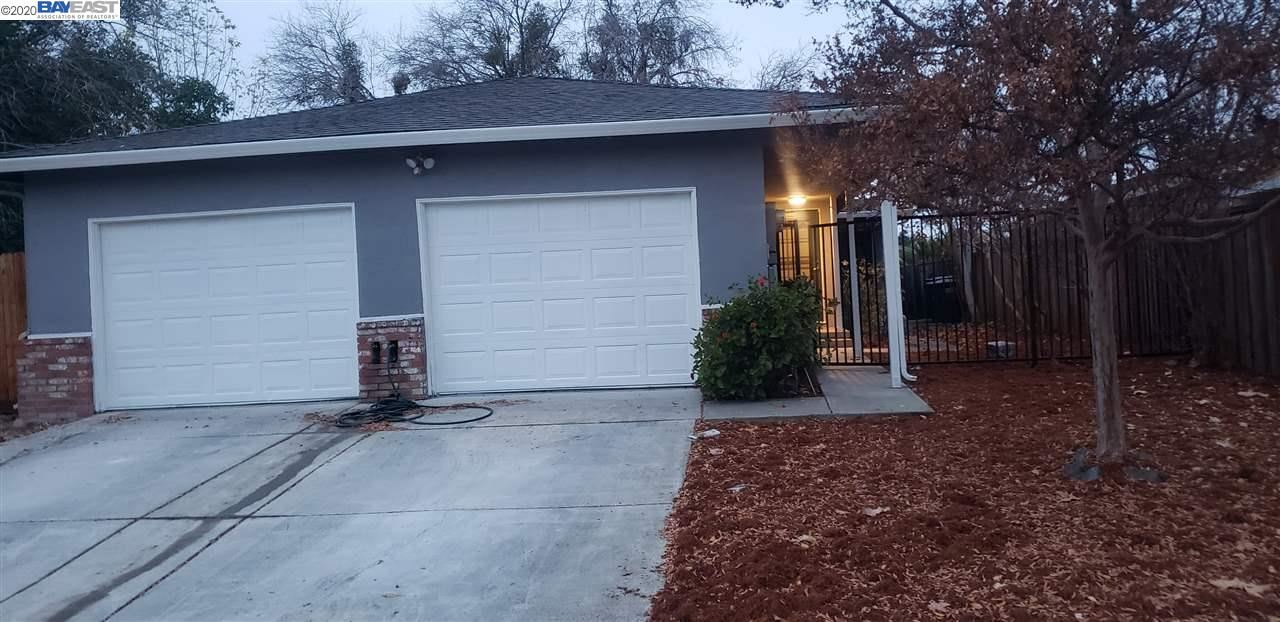 Photo of 1427 Balhan Dr, CONCORD, CA 94521 (MLS # 40932467)