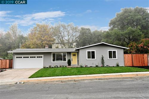 Photo of 1967 Nicolette Ct, MARTINEZ, CA 94553 (MLS # 40890472)