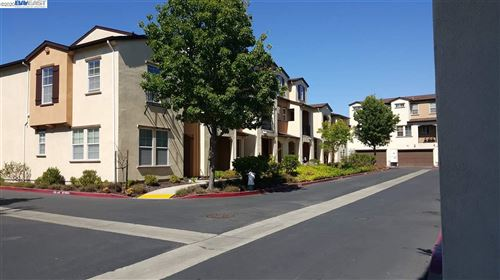 Photo of 3957 Forest Cir, CASTRO VALLEY, CA 94546 (MLS # 40910473)