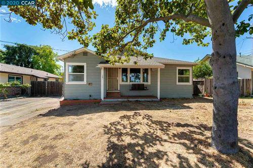 Photo of 1261 Veale Ave, MARTINEZ, CA 94553 (MLS # 40913476)