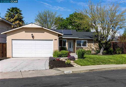 Photo of 2466 Tanager Ct, CONCORD, CA 94520 (MLS # 40900477)