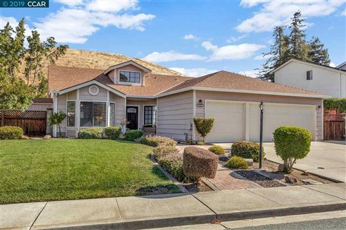 Photo of 3001 Larkspur Drive, ANTIOCH, CA 94531 (MLS # 40885479)