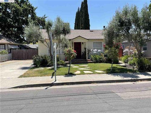 Photo of 438 Division St, PLEASANTON, CA 94566 (MLS # 40958480)