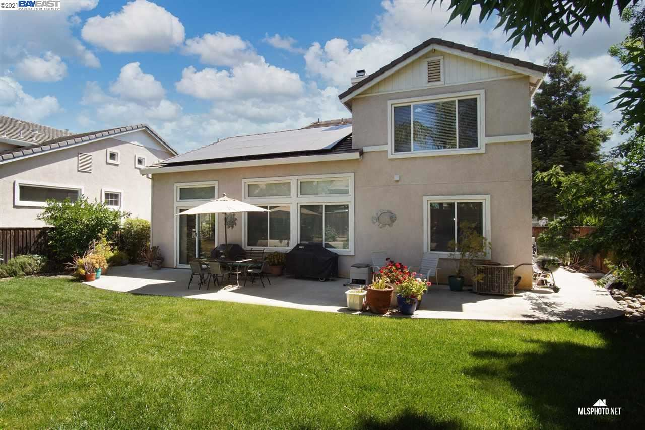 Photo of 1045 Dawn Ct, BRENTWOOD, CA 94513 (MLS # 40948480)