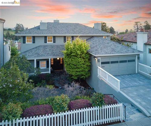 Photo of 6151 Acacia Ave, OAKLAND, CA 94618 (MLS # 40944481)