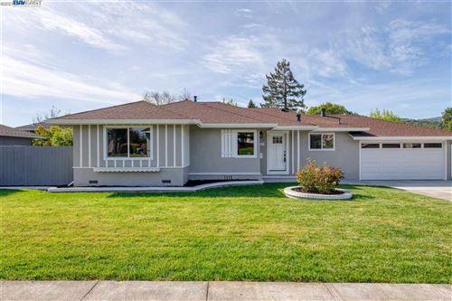 Photo of 455 Arthur St, NOVATO, CA 94947 (MLS # 40948481)