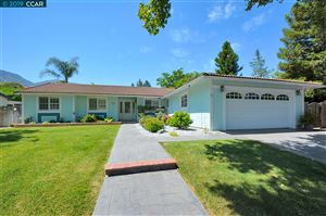 Photo of 9 Weatherly Dr, CLAYTON, CA 94517 (MLS # 40870483)