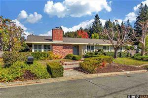 Photo of 241 Ivy Pl, ORINDA, CA 94563 (MLS # 40802489)