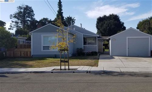 Photo of 21463 Orange Ave, CASTRO VALLEY, CA 94546 (MLS # 40890491)