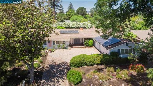Photo of 2821 Oak Grove Rd, WALNUT CREEK, CA 94598 (MLS # 40900492)