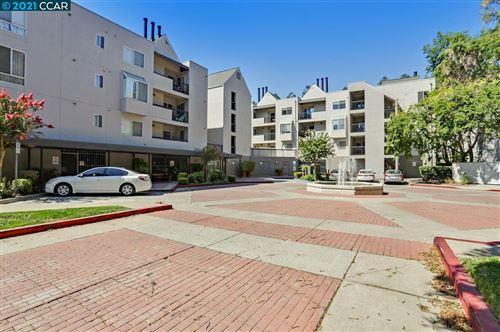 Photo of 3183 Wayside Plaza #205, WALNUT CREEK, CA 94597 (MLS # 40965492)