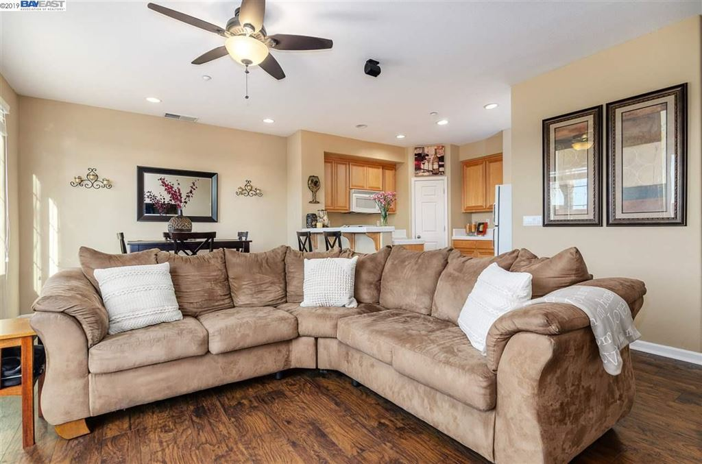 Photo for 304 Jefferson Dr, BRENTWOOD, CA 94513 (MLS # 40885494)
