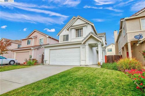 Photo of 5333 Catanzaro Way, ANTIOCH, CA 94531 (MLS # 40890495)
