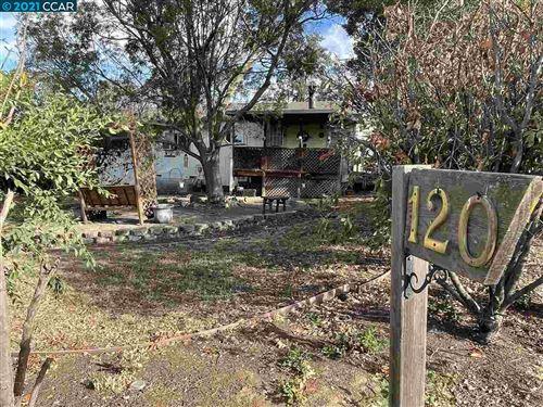 Photo of 120 Clipper Lane, MARTINEZ, CA 94553 (MLS # 40961495)