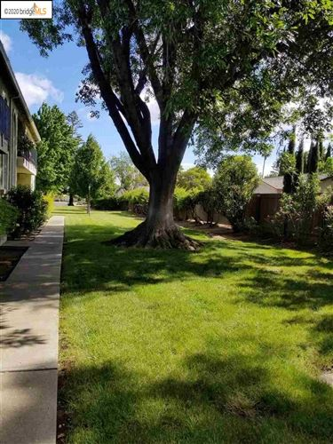Photo of 74 Meadowbrook Ave, PITTSBURG, CA 94565 (MLS # 40908497)