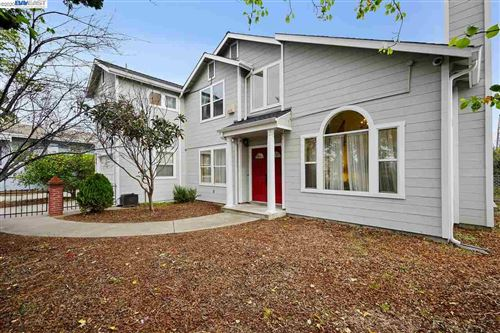Photo of 802 Oak St, ALAMEDA, CA 94501 (MLS # 40895498)