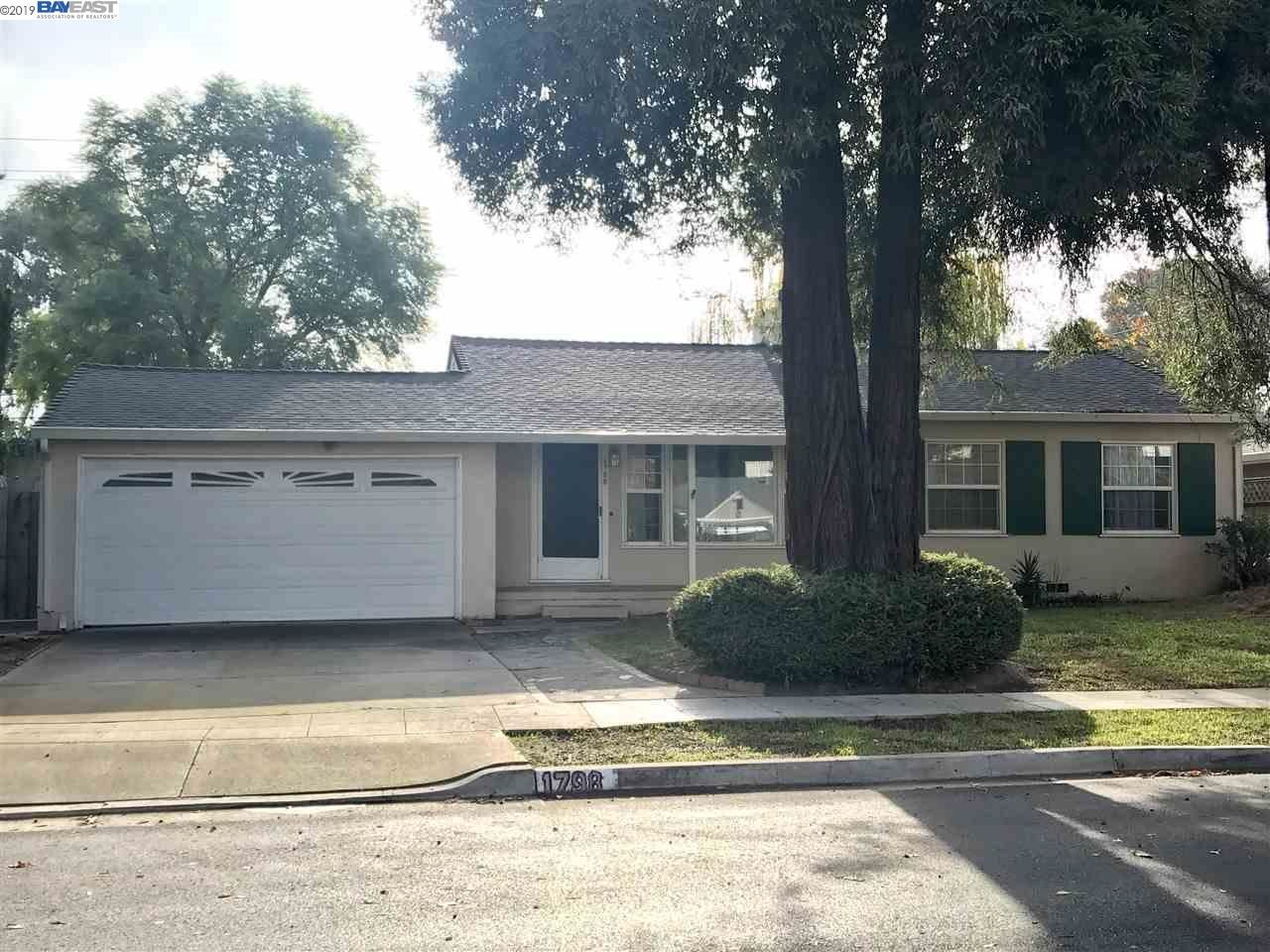 Photo for 1798 Walnut Grove Ave, SAN JOSE, CA 95126 (MLS # 40890498)