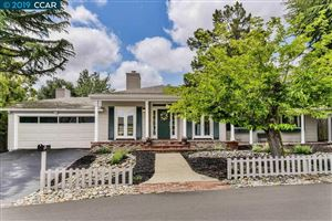 Photo of 10 Broadview Ter, ORINDA, CA 94563 (MLS # 40866503)