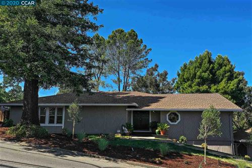 Photo of 1038 Via Roble, LAFAYETTE, CA 94549-2925 (MLS # 40906506)