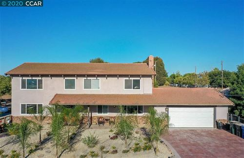 Photo of 2040 Cumming Rd, BRENTWOOD, CA 94513 (MLS # 40915507)