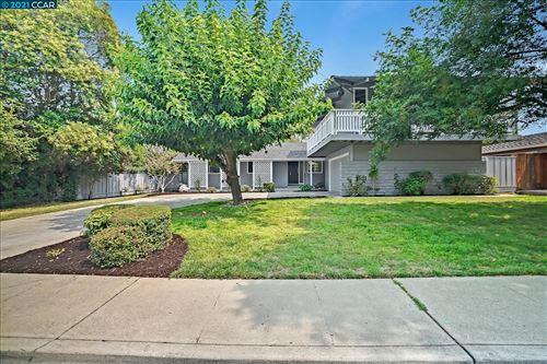 Photo of 426 Persimmon Rd, WALNUT CREEK, CA 94598 (MLS # 40964509)