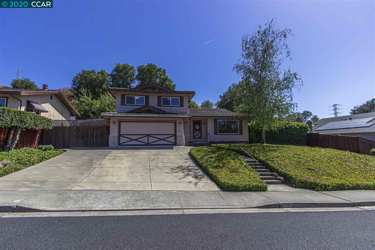Photo of 38 Buckingham Drive, MORAGA, CA 94556 (MLS # 40911509)