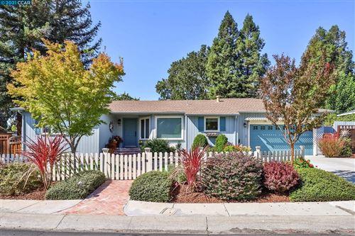 Photo of 21 Garden Ct, Walnut Creek, CA 94595 (MLS # 40970510)