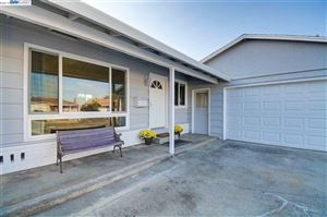 Photo of 5114 Curtis St, FREMONT, CA 94538 (MLS # 40885512)