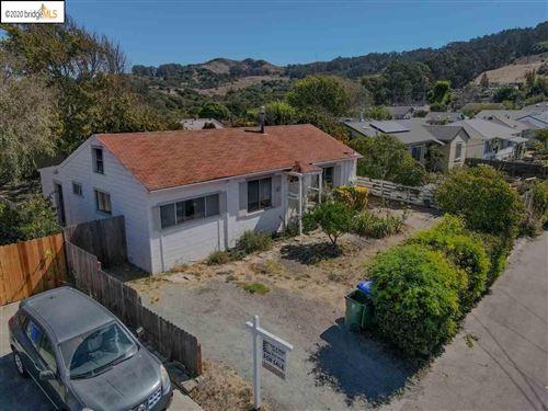 Photo of 3962 El Monte Rd, EL SOBRANTE, CA 94803 (MLS # 40912512)