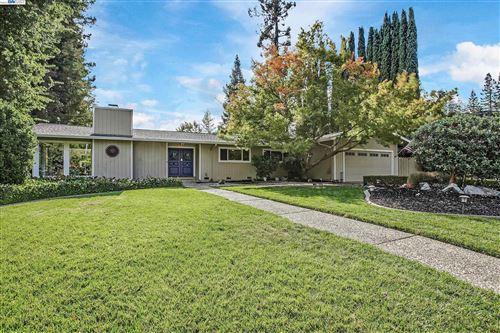 Photo of 106 Glen Court, Danville, CA 94526 (MLS # 40971513)