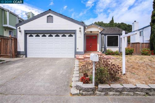 Photo of 406 Roble Ave, PINOLE, CA 94564 (MLS # 40881514)