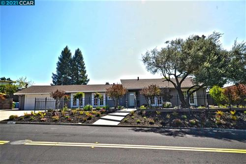 Photo of 56 Bates Blvd, ORINDA, CA 94563 (MLS # 40945515)