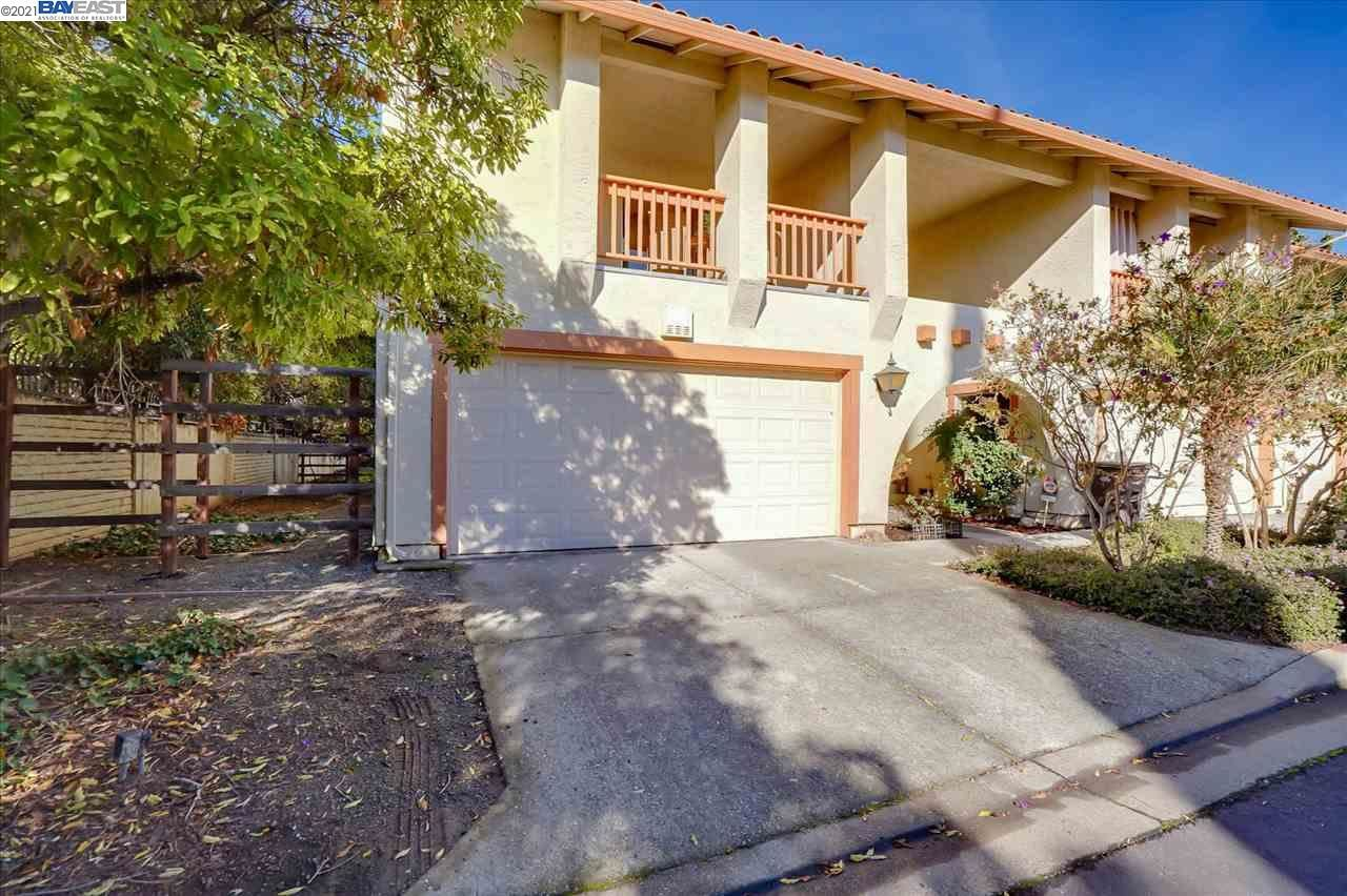 Photo for 31157 Tepic Pl #17, HAYWARD, CA 94544 (MLS # 40933515)