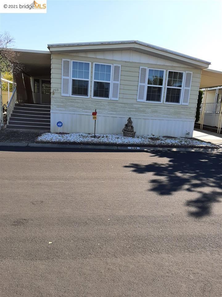 Photo of 233 Queens Way #233, PITTSBURG, CA 94565 (MLS # 40941515)