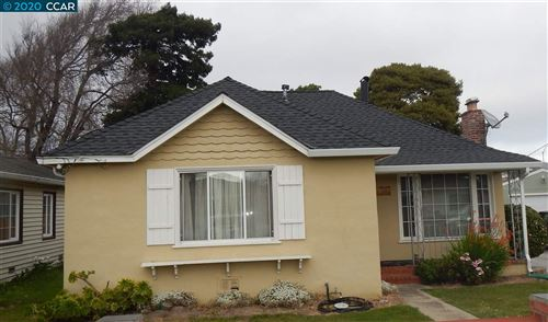 Photo of 618 Mayfair Ave, SOUTH SAN FRANCISCO, CA 94080 (MLS # 40896520)