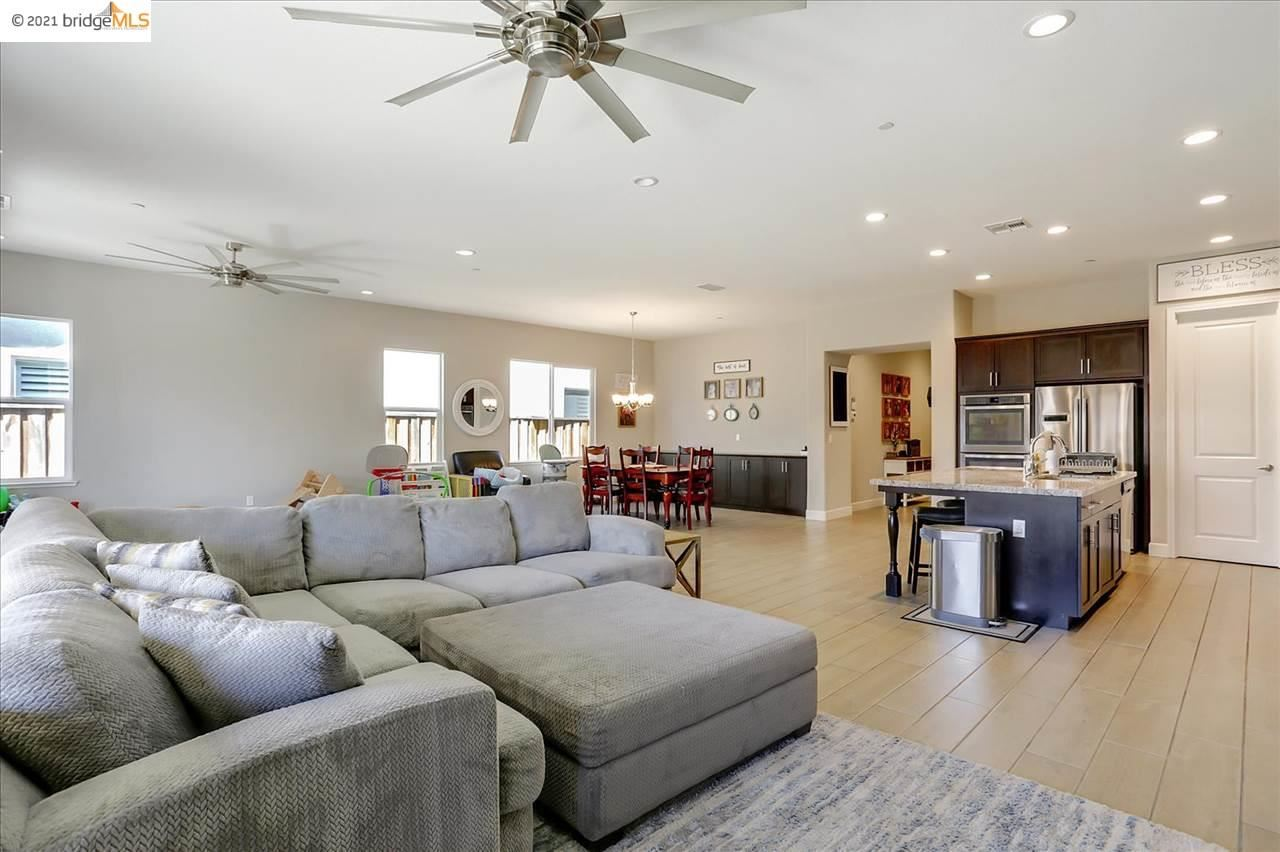 Photo of 60 Freeport Ct, DISCOVERY BAY, CA 94505 (MLS # 40961521)