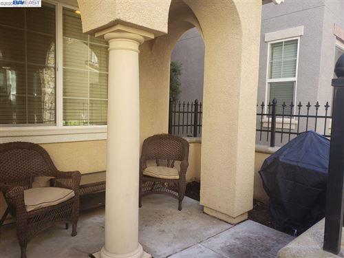 Photo of 1045 Thornton Way, TRACY, CA 95376 (MLS # 40915523)