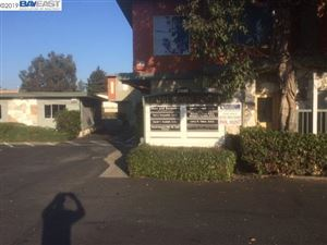 Photo of 20600 Lake Chabot Rd, CASTRO VALLEY, CA 94546-5931 (MLS # 40888525)