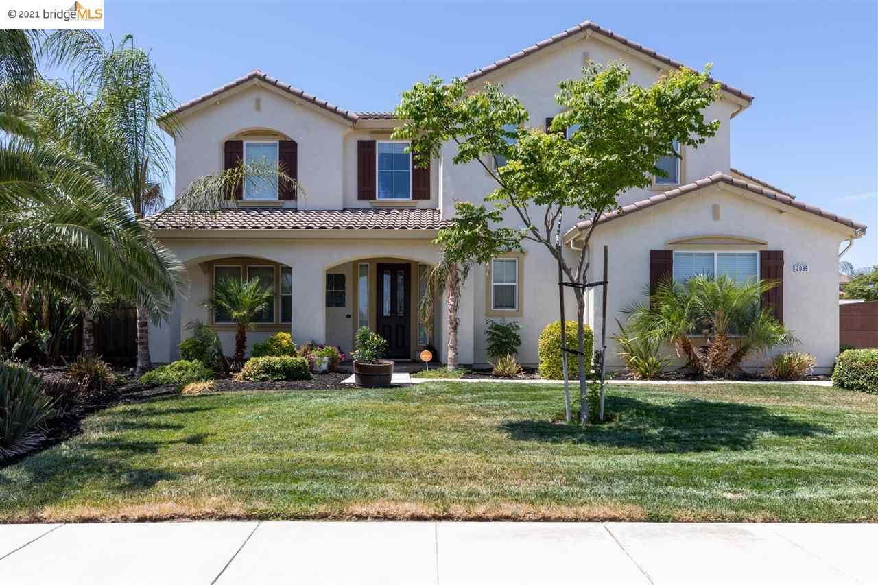 Photo of 2099 TENAYA CT, BRENTWOOD, CA 94513 (MLS # 40961525)