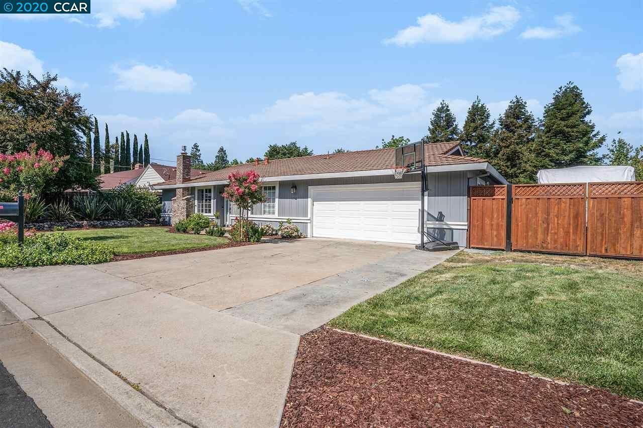 Photo of 1260 Krona Ln, CONCORD, CA 94521 (MLS # 40911526)
