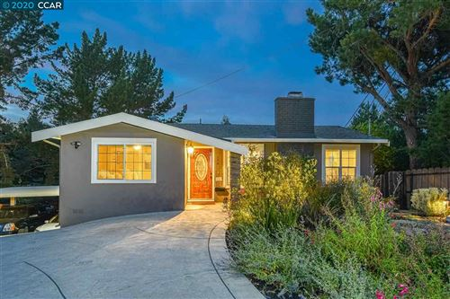 Photo of 126 Hillcroft Way, WALNUT CREEK, CA 94597 (MLS # 40892527)