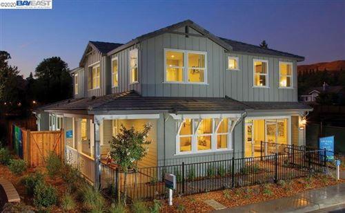 Photo of 101 Julia Loop, DANVILLE, CA 94506 (MLS # 40900528)